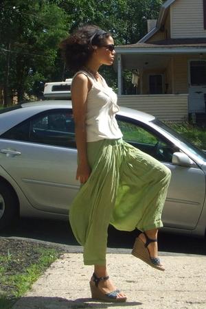 Blu Heaven top - handmade pants - Ray Ban sunglasses - Flea Mrket bracelet - Ako
