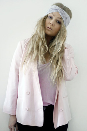 light pink Monki blazer - periwinkle head band BikBok hat - pink weekday top