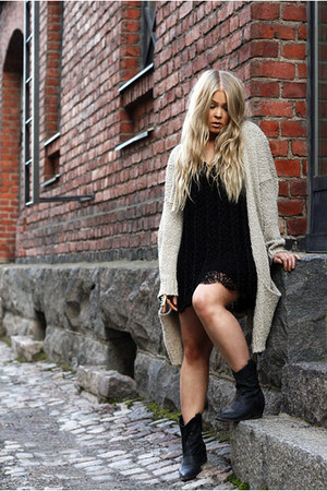 black crochet emmaoclothingse dress - black cowboy Forever 21 boots