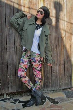floral H&amp;M tights - combat Guess boots - camo thrifted jacket