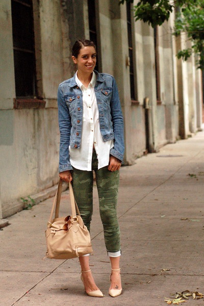sky blue denim H&M Trend jacket - army green camouflage Gap jeans