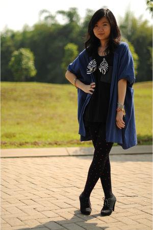 blue cottonink cardigan - black cottonink top - black shorts - black Stocking Ho