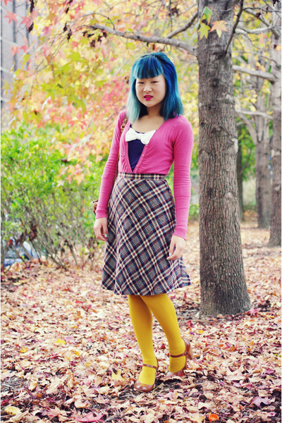 mustard tights - brown Marc by Marc Jacobs bag - off white vintage skirt - navy