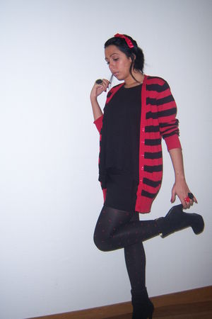 red Primark cardigan - black Primark top - black H&M skirt - red H&M tights - bl
