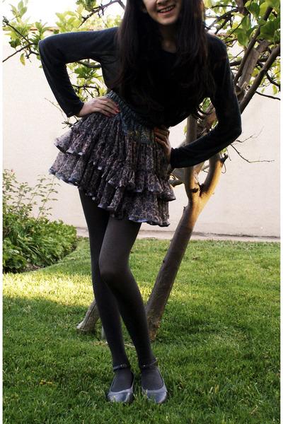 gray skirt - gray leggings - gray shirt - gray shoes - black intimate