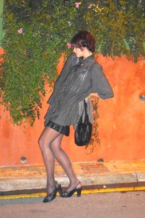 vintage skirt - venetto shoes - vintage scarf