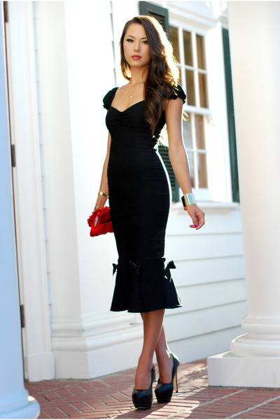 black-lolita-girl-dress-red-lulus-townsend-bag-black-oasap-heels_400.jpg