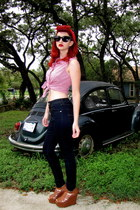black cat eye sunglasses - blue high waisted Bullhead jeans