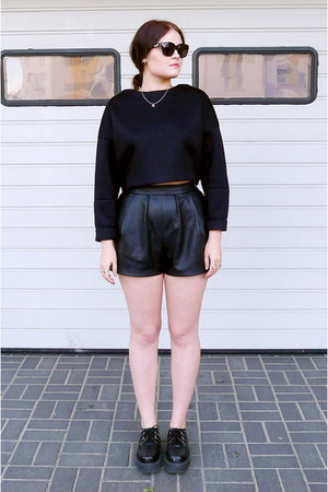 black TUK shoes - black Zara sweater - black Zara shorts