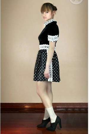 black Oh My Godot Vintage dress - beige H&M socks - black Zara shoes