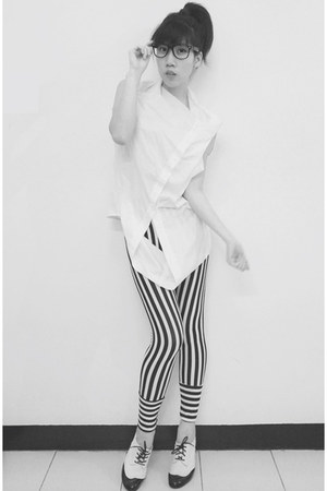 black lace up oxfords Melisa shoes - white mono stripes plopherz leggings - whit