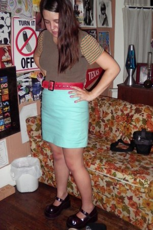 red vintage suede belt - aquamarine high waist skirt