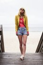 Mustard-theory-blazer-light-blue-vintage-shorts-pink-inlovewithfashion-top