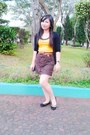Yellow-top-bronze-belt-brown-skirt-black-flats