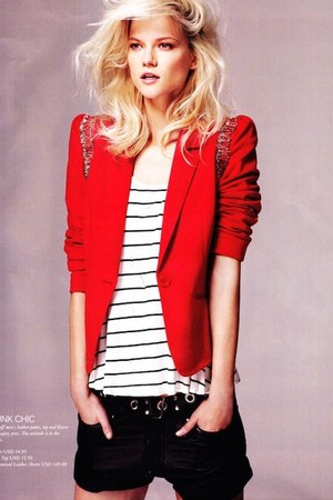 red H&M blazer - bronze unknown brand necklace - black Converse sneakers
