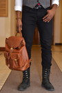 Gray-tweed-le-chateau-vest-black-leather-j-shoes-boots-black-levis-jeans