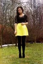 yellow Mohito skirt - black OASAP blouse