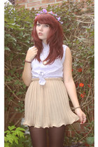 camel pleated skirt skirt - periwinkle shirt