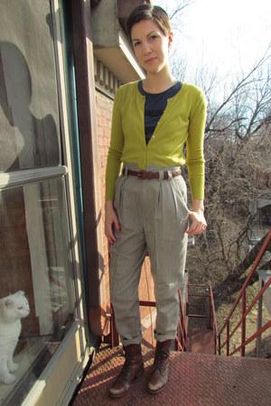 beige vintage pants - brown Steve Madden boots - navy banana republic top