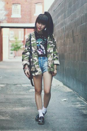 camouflage jacket - t-shirt