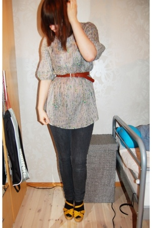 my best friends top - My mums old belt - Monki jeans - Skopunkten shoes