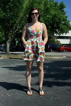 white floral dress - crimson sunglasses - black sandals