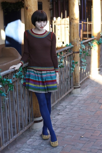 HUE tights - vintage top - modcloth skirt - thrifted flats