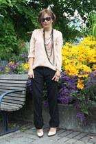 dark khaki H&M necklace - black wayfarer ray-ban sunglasses - beige Zara blouse