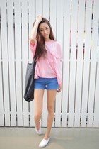 light pink shirt - blue shorts