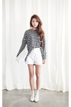 charcoal gray shirt - ivory shorts
