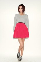 salmon skirt - silver shirt
