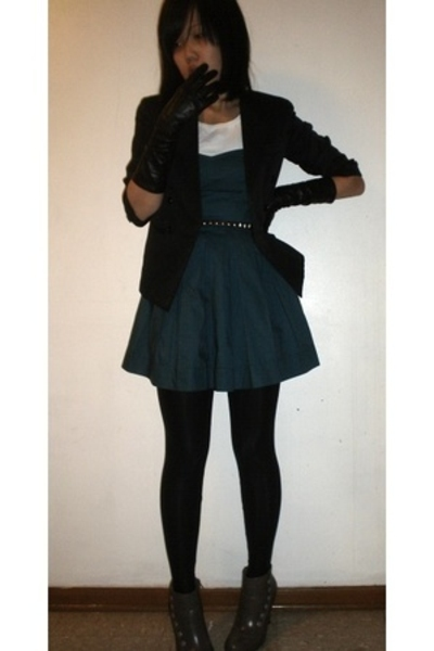 H&M belt - vintage from Ebay gloves - payless shoes - H&M dress