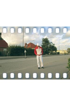 white jeans - white FLEXFIT hat - red sweatshirt - black sneakers