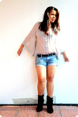 thrifted top - black boots - denim shorts - PMC belt