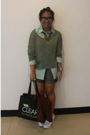 olive green Forever 21 sweater - gray Forever 21 shorts