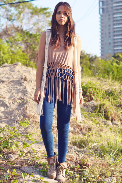 tan leather Palladium boots - navy joni Topshop jeans