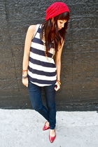nautical stripe Forever 21 top - red beanie Aldo - gold chain Americal Apparel