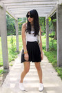 White-tretorn-sneakers-black-forever-21-skirt