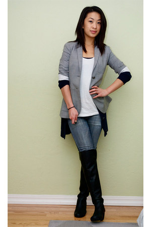 black knee-high boots Blowfish boots - blue 7 for all mankind jeans - heather gr
