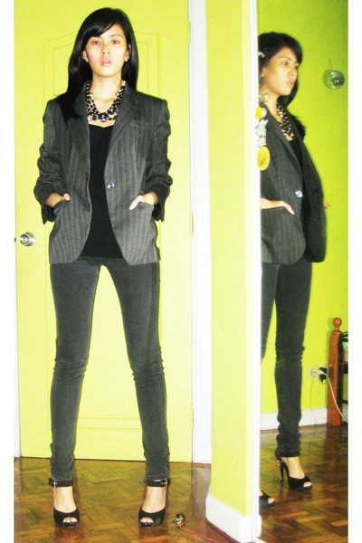 Zara top - Zara blazer - Lee jeans - Elegance shoes