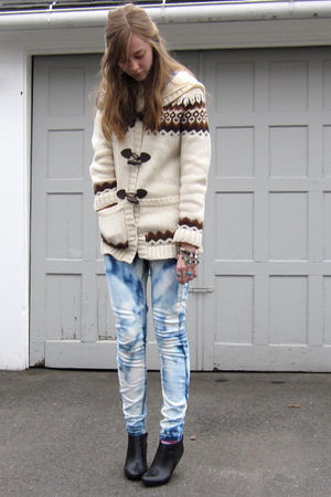 beige f21 sweater - blue DIY jeans - black H&amp;M boots