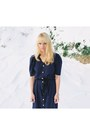 Ivory-vintage-sweater-navy-vintage-dress-black-vagabond-boots
