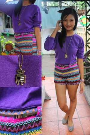 colorful Dress Diaries shorts - robot necklace Bazaar Finds accessories