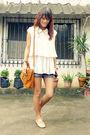 Beige-mental-blouse-blue-space-shorts-brown-satchel-from-fabmanilabagscom-ba