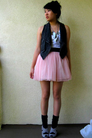accessories - socks - f21 vest - shoes - f21 skirt