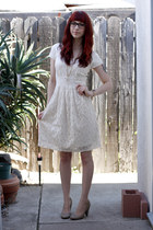 ivory banana republic dress - beige Urban Outfitters pumps