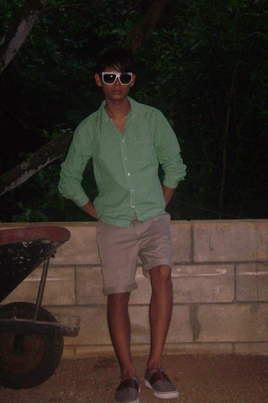 Old Navy shirt - volcom shorts - Puma shoes - Wet Seal accessories