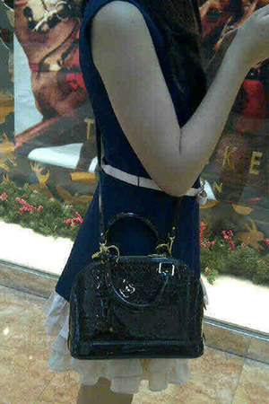 navy random dress - epi leather Louis Vuitton bag