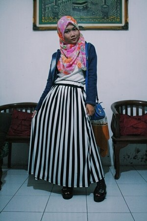 black Local store skirt - light blue denim my sister jacket