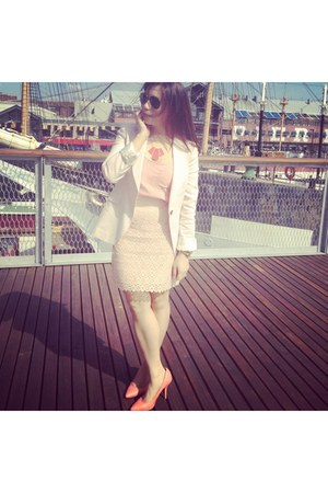 ruby red necklace - salmon H&M shoes - light pink Zara blazer